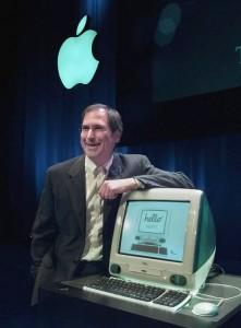 1998 – استیو جابز در شرکت اپل و در شهر کوپرتینو، کامپیوتر جدید iMAC را رونمایی می کند